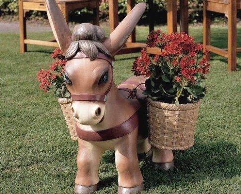 Садовые фигурки из дерева для дачи