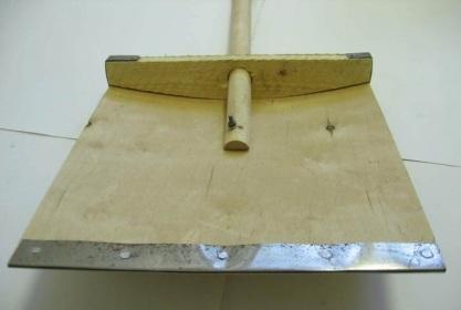 готовая лопата для уборки снега