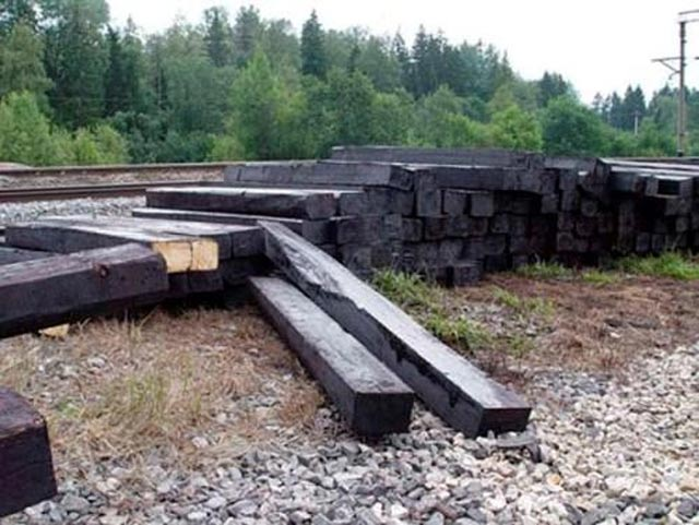 Фундамент своими руками из деревянных шпал 6