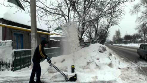 электрическая снегоуборочная лопата