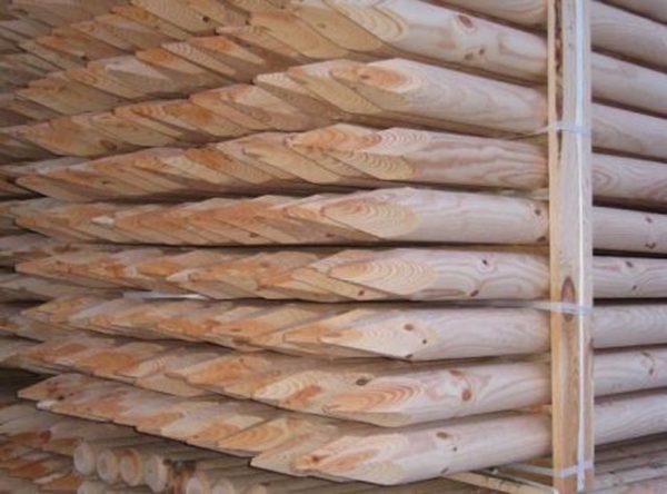 круглые деревянные сваи