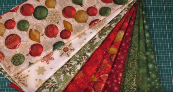 Текстиль под елкой