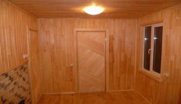 отделка двери и стен
