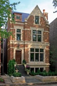 трехэтажный частный кирпичный дом