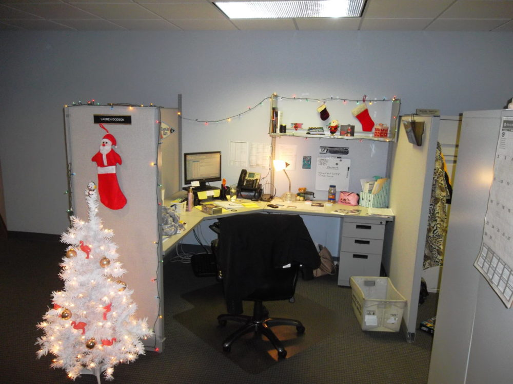 один как украсить рабочее место в офисе фото четверг главе
