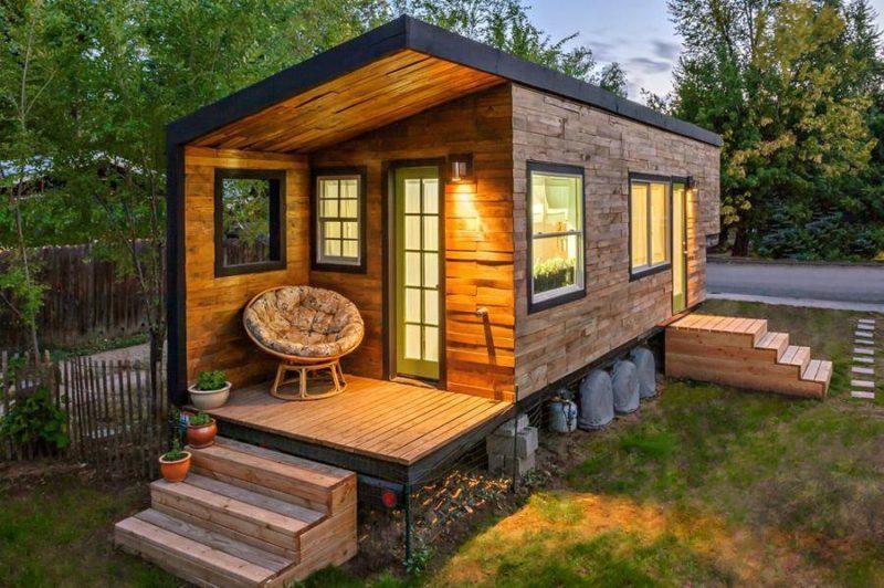 маленький дом в саду