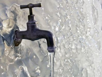 тонкая струя воды