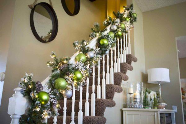оформление белой лестницы
