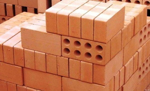 кирпичи для постройки