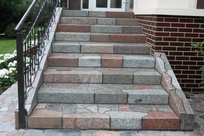 лестницы и крыльцо из натурального камня