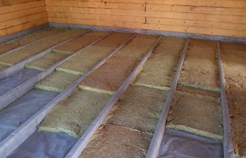 Как пенопластом утеплить деревянный пол в частном доме своими руками