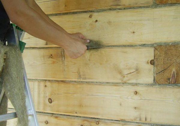 Акриловый герметик для заделки швов потолочной плитки