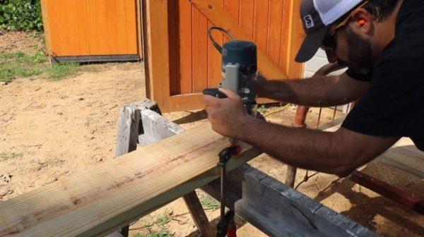Вырезание ручным фрезером