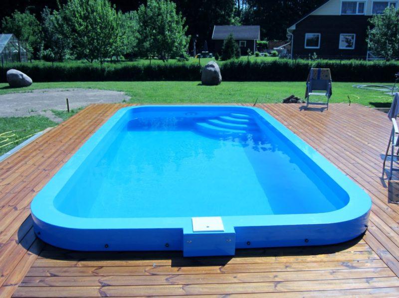 Пластиковый дачный бассейн