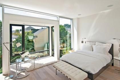 спальня комната с эркером