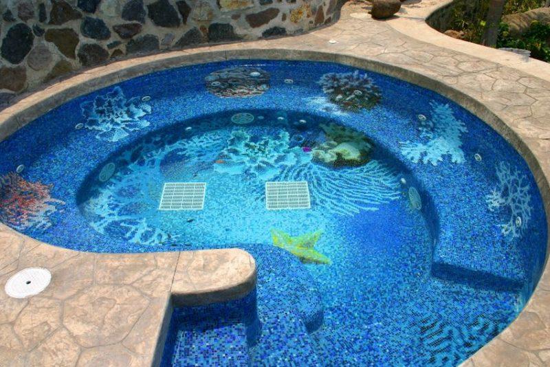 Плитка-мозаика для отделки бассейна