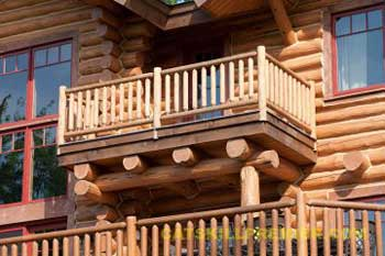 Как сделать и оформить балкон в частном доме - красивые прое.