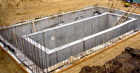 бассейн из бетона