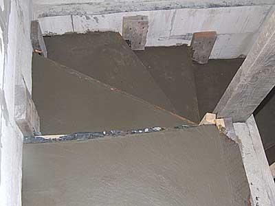 строительство бетонной лестницы в погреб