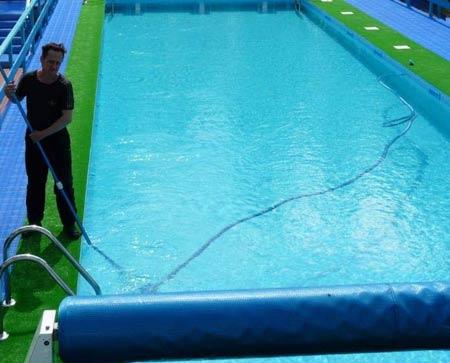 чистка бассейна