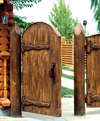 деревяная калитка