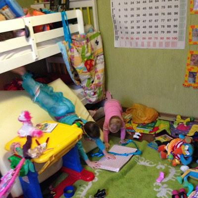 дети разнесли комнату