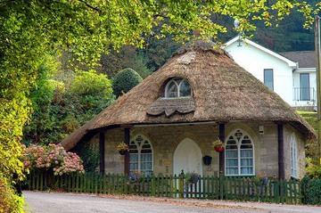 сказочный домик из соломы