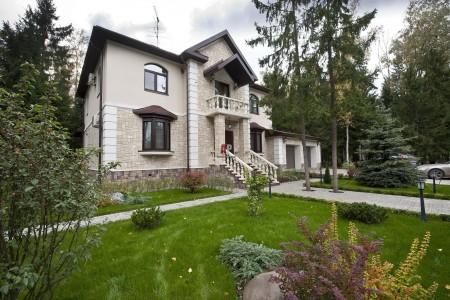 дом в классическом стиле фото
