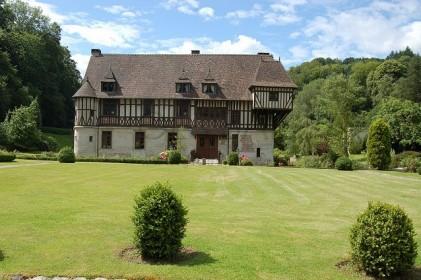 дом в нормандском стиле