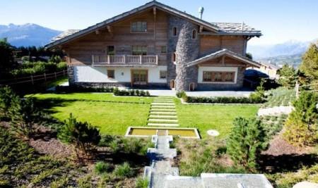 оригинальный дом в стиле шале