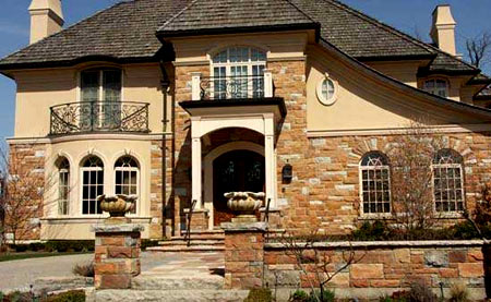двухэтажный дом из камня