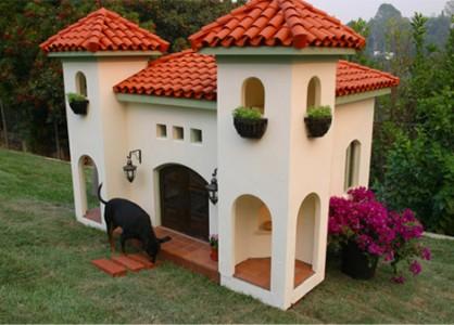 Красивым может быть домик для собаки