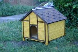 деревянная летняя будка для собаки