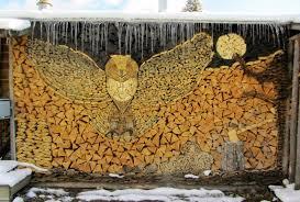 красивая оригинальная деревянная дровница в виде совы