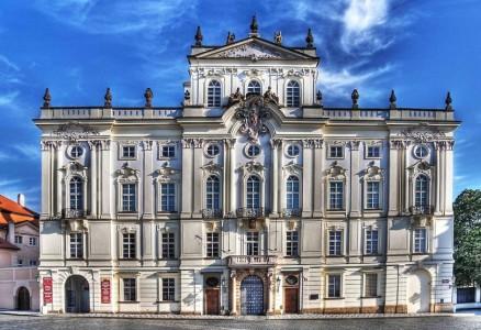 дворец в стиле рококо