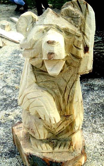 вырезание медведя из дерева своими руками