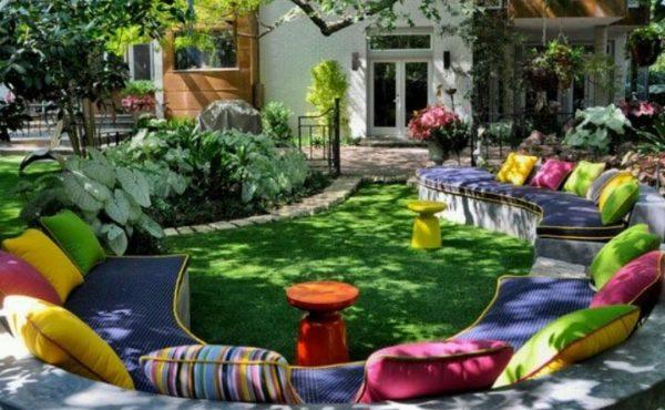 трава во дворе
