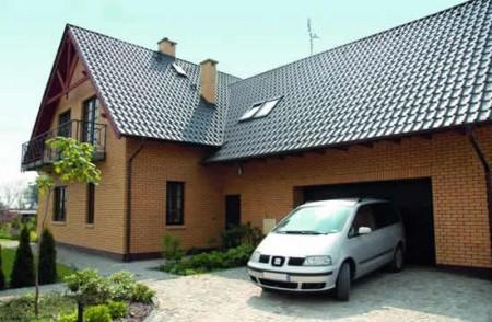 гараж, пристроенный сбоку дома