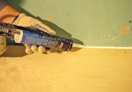 заполнение стыков герметиком