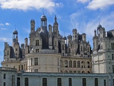готический дворец