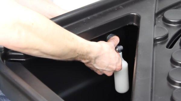 Поплавок, который перекрывает поступление воды из водопровода