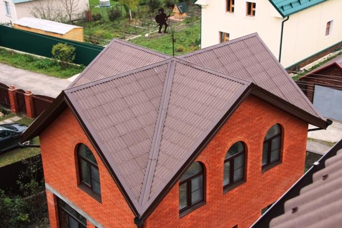 Вариант многощипцовой крыши