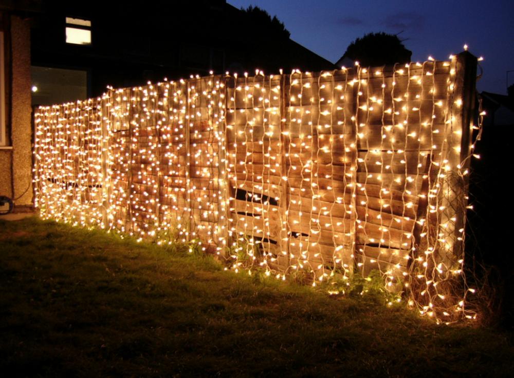 как украсить забор на новый год фото молодые
