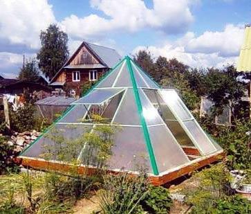 пирамида из поликарбоната