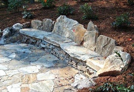 скамейка из камня