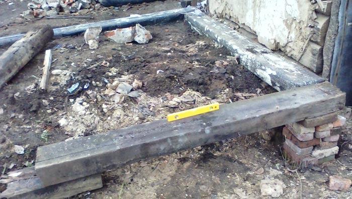 Фундамент своими руками из деревянных шпал 10