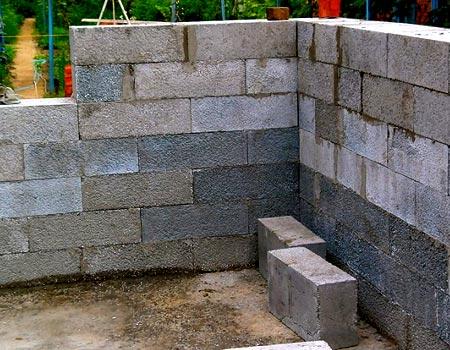 кладка полистиролбетонных блоков
