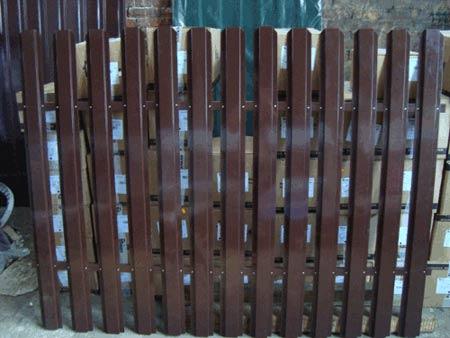 решетчатый забор из ПВХ