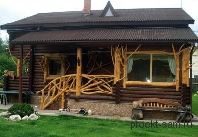 красивое деревянное крыльцо дома