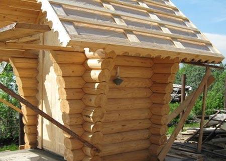 крыша деревянный туалет